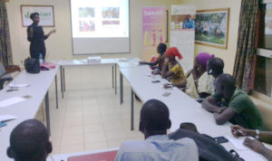 Ms Diakite shares her experience with a group of youth at a conference organized by MAIH. Photo: ICRISAT