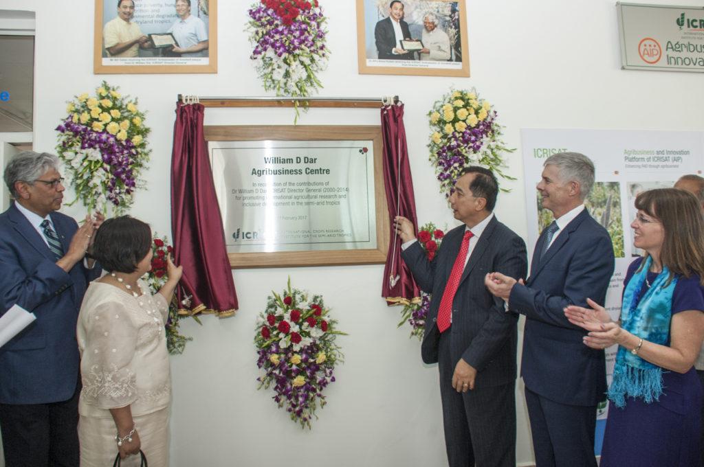 Dr William Dar unveiling the plaque. Photo: PS Rao, ICRISAT