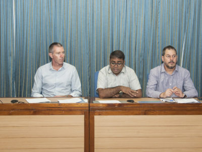 Dr C Bharadwaj, ICAR-IARI; Dr Tim Sutton, SARDI; Dr Rajeev Varshney, ICRISAT; Professor Timothy Colmer, UWA; Dr Pooran Gaur, ICRISAT. Photo: PS Rao, ICRISAT