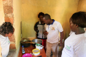 Cornelius Muendo (Public Health Officer, Tharaka Nithi county) facilitating the cooking classes. Photos: Eleanor Nekesa, ICRISAT