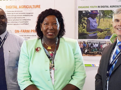 (L to R) Dr Moses Siambi, Research Program Director, Eastern and Southern Africa; Dr Florence M Wambugu, Founder Director and CEO of Africa Harvest; and Dr David Bergvinson, Director General, ICRISAT Photo: ICRISAT