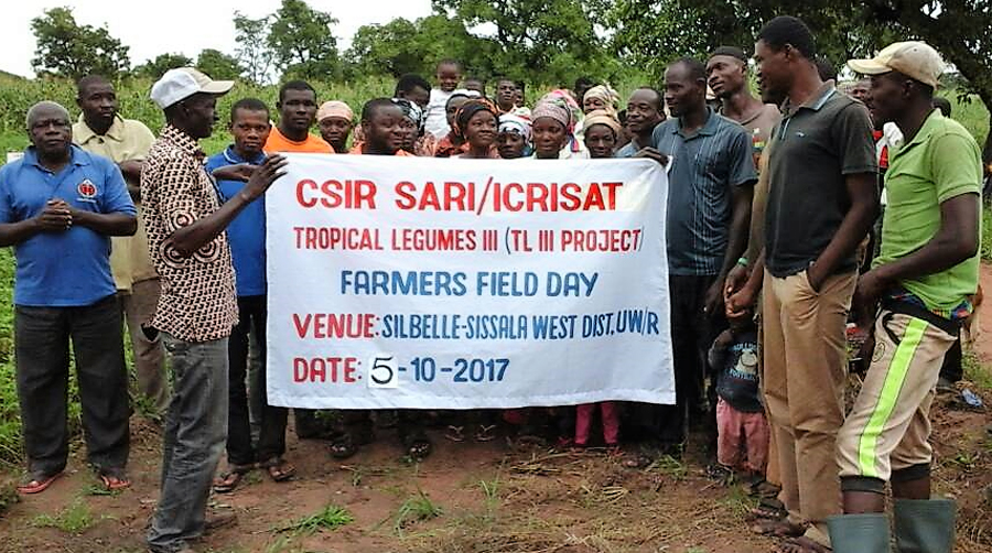 Participants at the participatory varietal selection field day at Silbelle, Ghana. PC: Haruna Ali