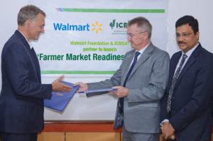 (L-R) Paul Dyck, Walmart Vice President of Global Public Policy and Government Affairs, Dr Peter Carberry, Director General, ICRISAT, and Dr Arabinda Kumar Padhee, Director, Country Relations and Business Affairs, ICRISAT. Photo: A Pal ICRISAT