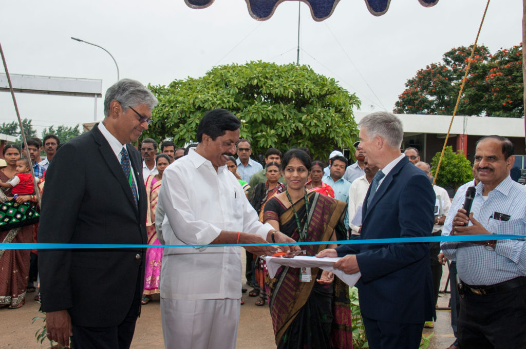 (L-R) ICRISAT Governing Board Chair Professor Chandra Madramootoo; Hon'ble Deputy Speaker of Karnataka Legislative Assembly Mr Shivashankar Reddy and Director General David Bergvinson cuts ribbon to inaugurate the National Farmers' Day. Photo: PS Rao, ICRISAT
