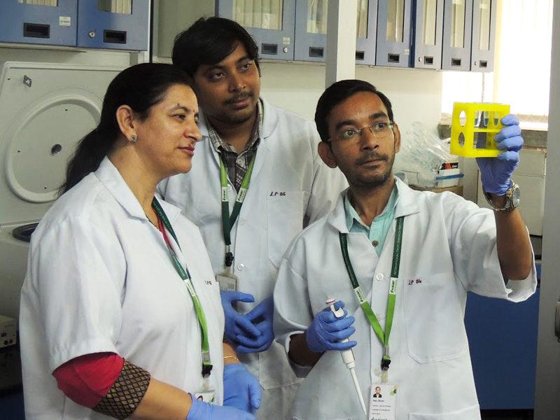 Dr Mamta Sharma checking chickpea DNA using LAMP.