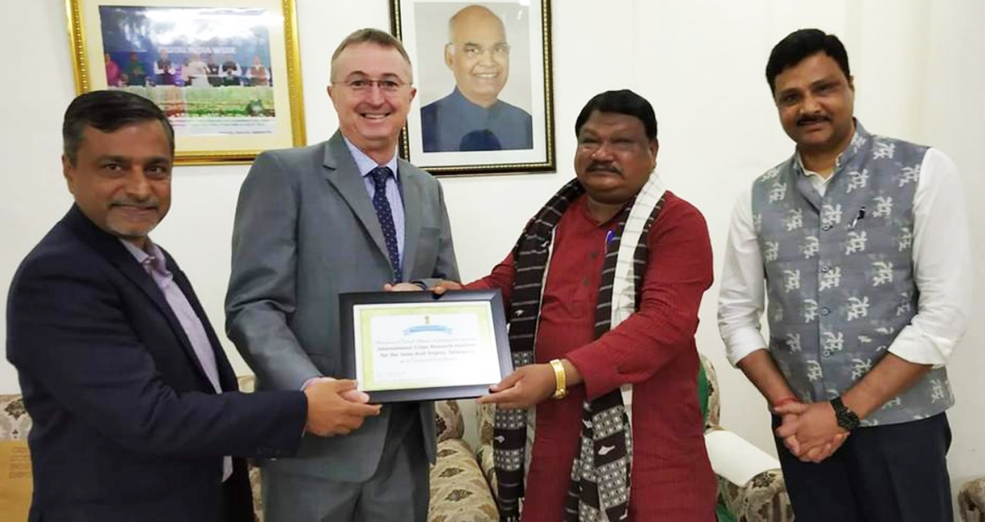 (L-R) Amit Chakravarty, Chief of Staff, ICRISAT, Dr Peter Carberry, Director General (Acting), ICRISAT, Jual Oram, Union Minister for Tribal Affairs, Govt. of India, and Dr Arabinda Kumar Padhee, Director, Country Relations and Business Affairs, ICRISAT.