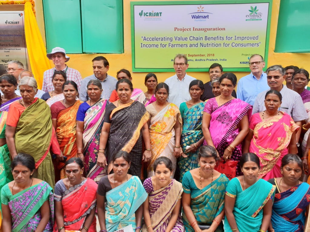 Aspiring women entrepreneurs interact with Dr. Ferroni, Dr. Kerby, representatives of Walmart and ICRISAT scientists to explore global agribusiness opportunities at Maruru village, Anantapur. Photo: ICRISAT