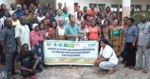 Participants at the Sorghum Processing session in Adani-Omor  SCPZ, South-Eastern Nigeria. Photo: F Akinseye, ICRISAT