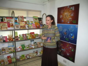 Dr Joanna Kane-Potaka, Assistant Director General at ICRISAT explains about the ICRISAT Smart Food project and displays a large number of innovative food products made from the emphasized crops sorghum and millets.