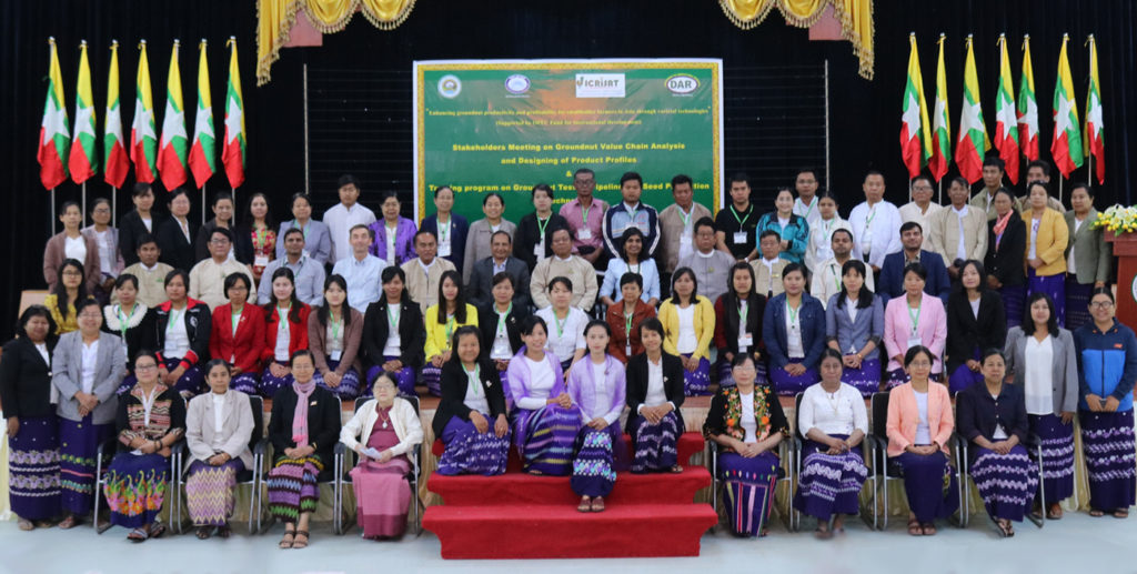 DAR and ICRISAT scientists with groundnut value chain stakeholders in Nay Pi Daw, Myanmar. Photo: ICRISAT