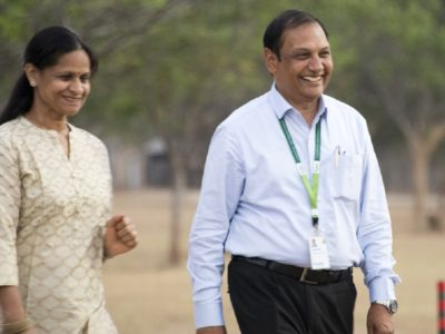Dr Pooran Gaur with his wife, Mrs Om Gaur. Photo: P Srujan, ICRISAT