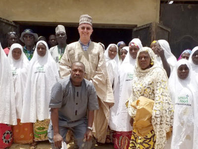 Dr Peter Carberry, Director General, ICRISAT (center), in traditional attire offered by elders of Gwarmai village with Smart Food Ambassadors and Dr Hakeem Ajeigbe, ICRISAT Country Representative for Nigeria. Photo: ICRISAT