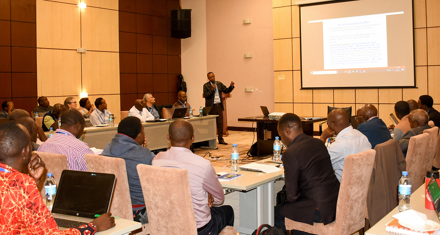 Participants at the AVISA Seed Revolving Fund Review and Planning Meeting for Tanzania Groundnut and Sorghum Partners. Photo: W Grace, ICRISAT