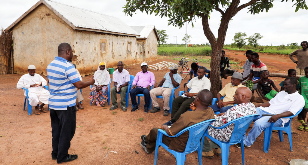 Mr Giwah interacting with farmers. Photo: M.Magassa