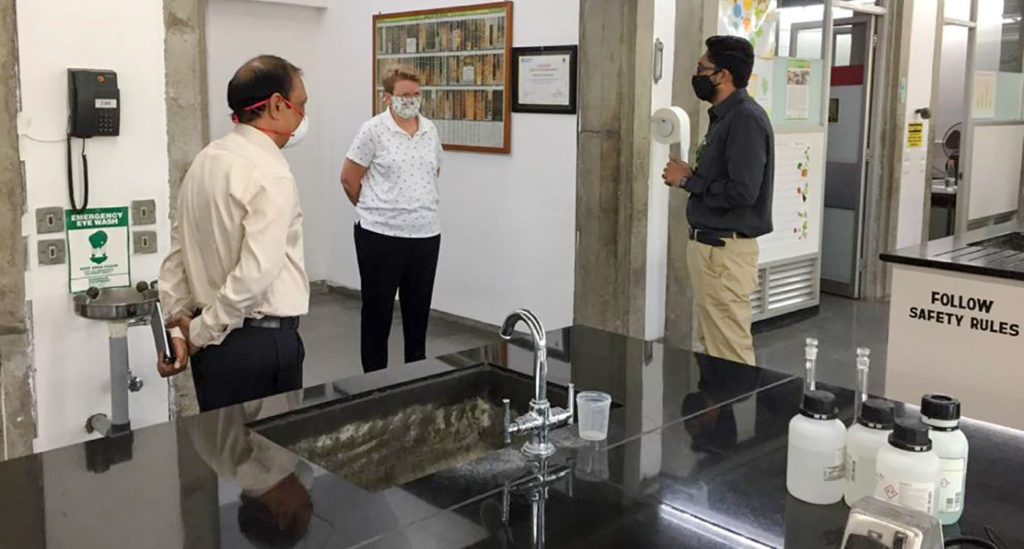(R) Dr Pushpajeet Choudhari, Manager, Charles Renard Analytical Laboratory, explaining the working procedures of the lab to Dr Jacqueline Hughes, Director General, ICRISAT (center) and Dr Pooran Gaur, Director, Research Program Asia (L). Photo: ICRISAT