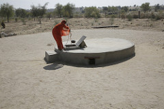 To reverse the trend and offer hope to the women in Rajasthan, scientists and a local development group has been working to provide science-backed research to improve traditional water storage technology. Photo: Prashant Panjiar/ ICRISAT